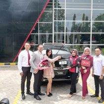 DO 2 Sales Marketing Mobil Dealer Mitsubishi Yuyun