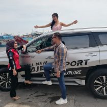 DO 3 Sales Marketing Mobil Dealer Mitsubishi Yuyun